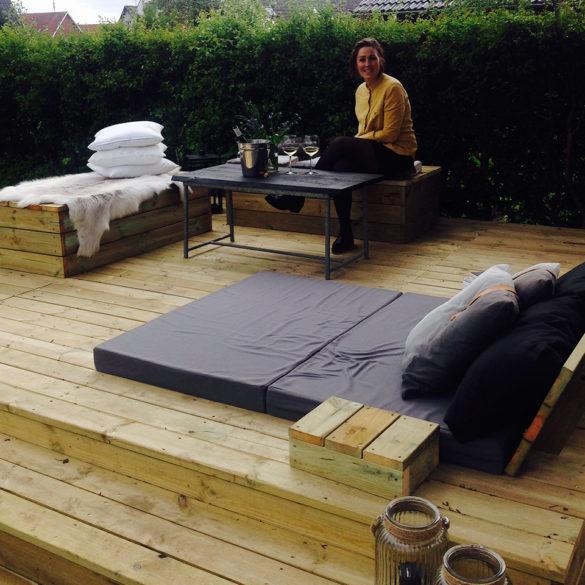 multifunktionel terrasse med plads til afslapning