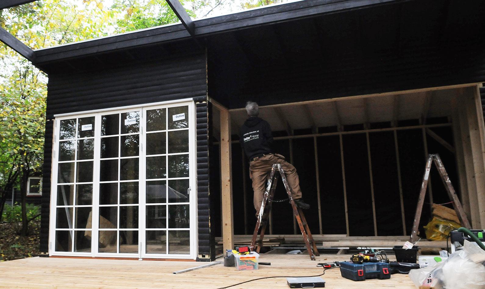 monter døre og vinduer på anneks