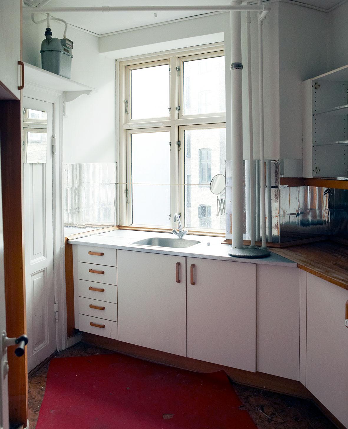 Køkkenet inden det blev til et landkøkken