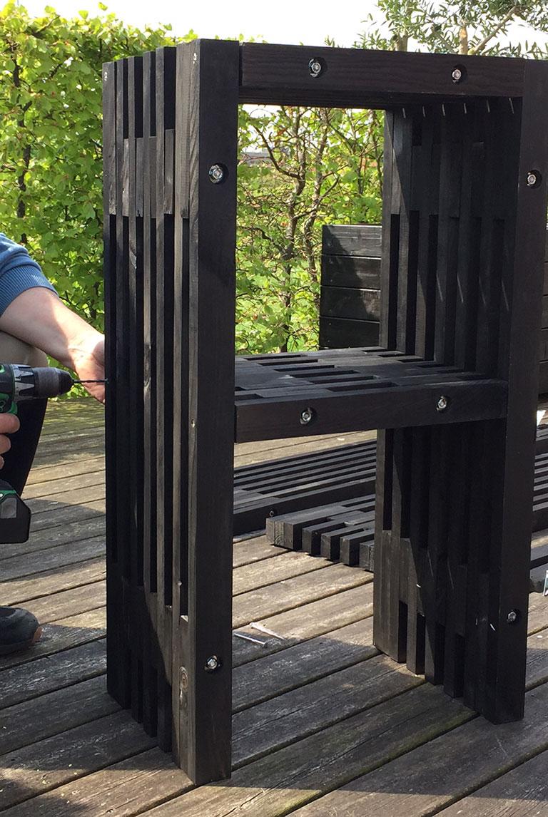 Benstøtten monteres på barstol til udebar