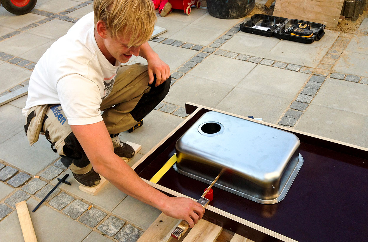 Vask til betonbord til økohaven