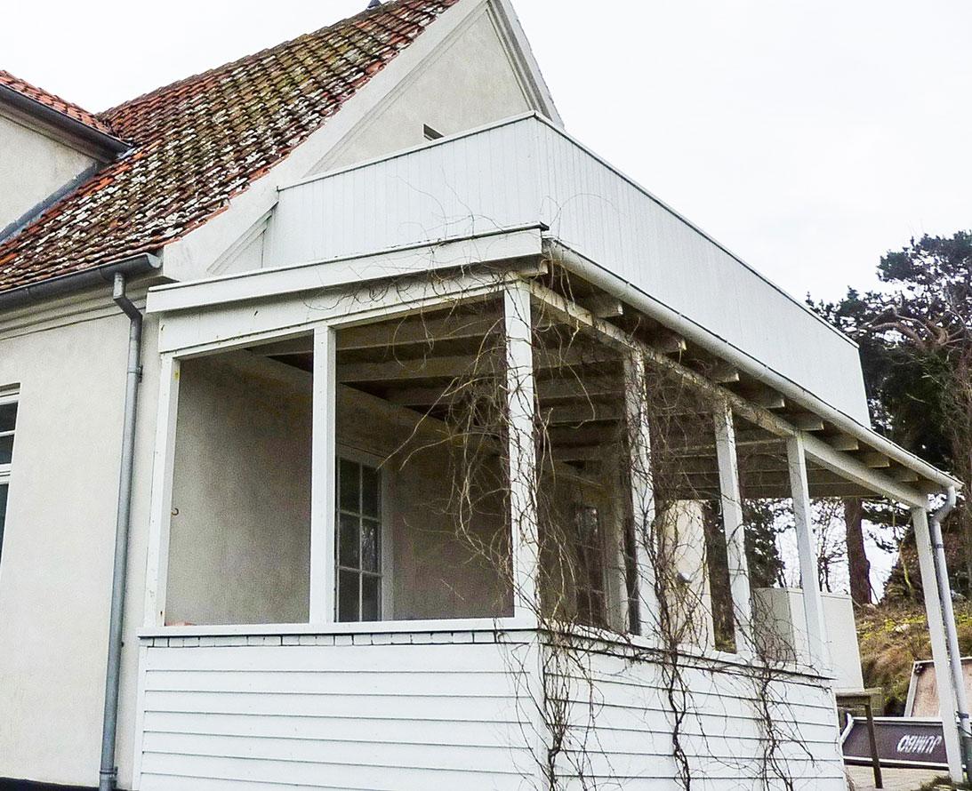 Gammel slidt terrasse