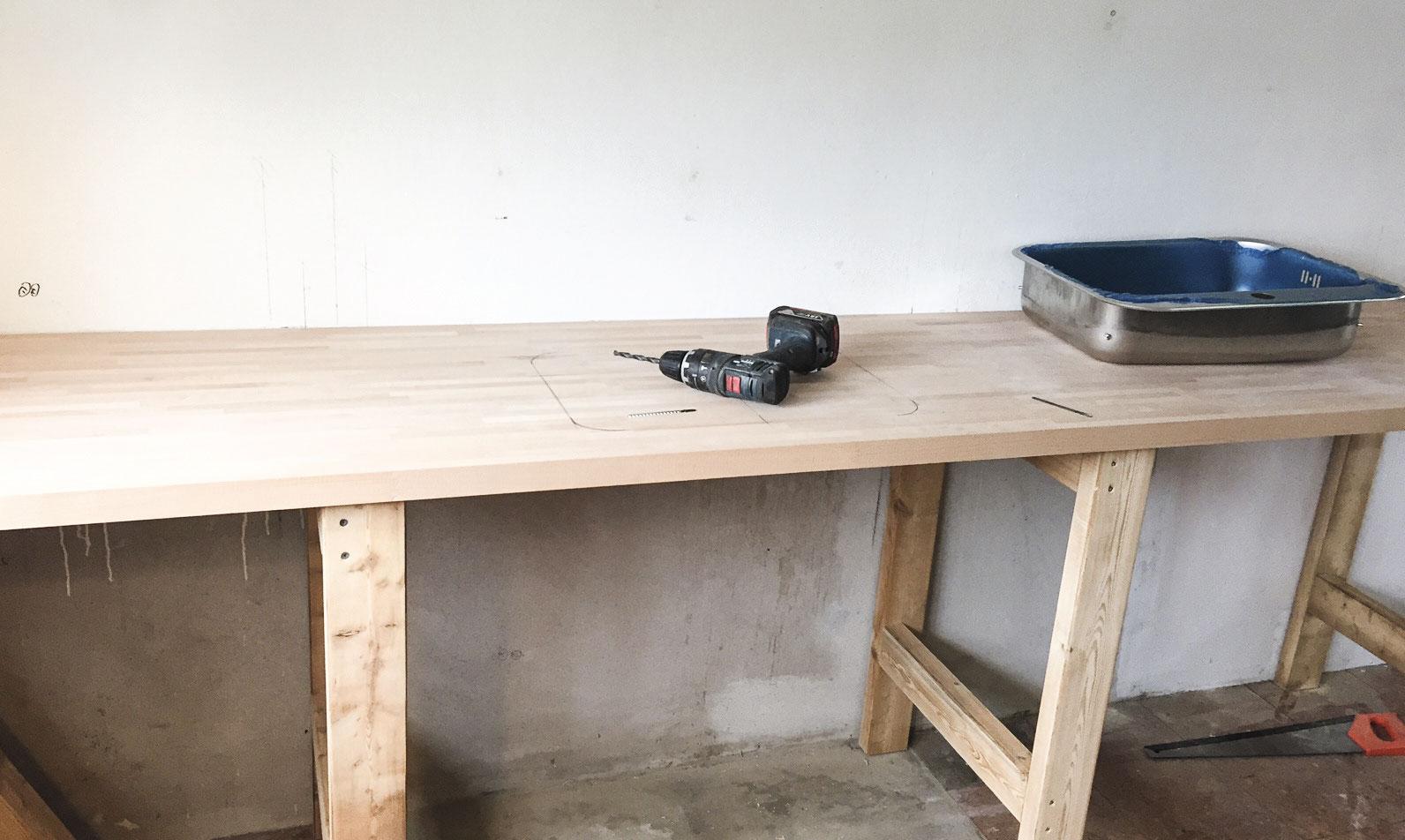 Bordpladen til sommerkøkkenet