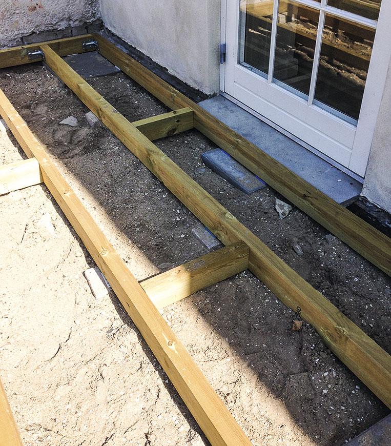 Grundrammen til den nye overdækket terrasse