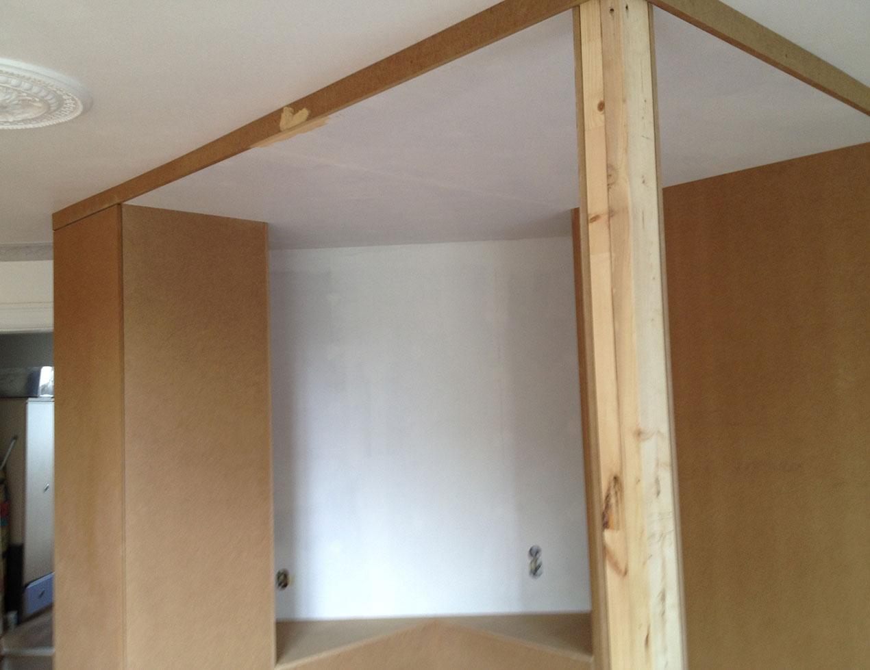 Rummet bygges færdig med MDF-plader