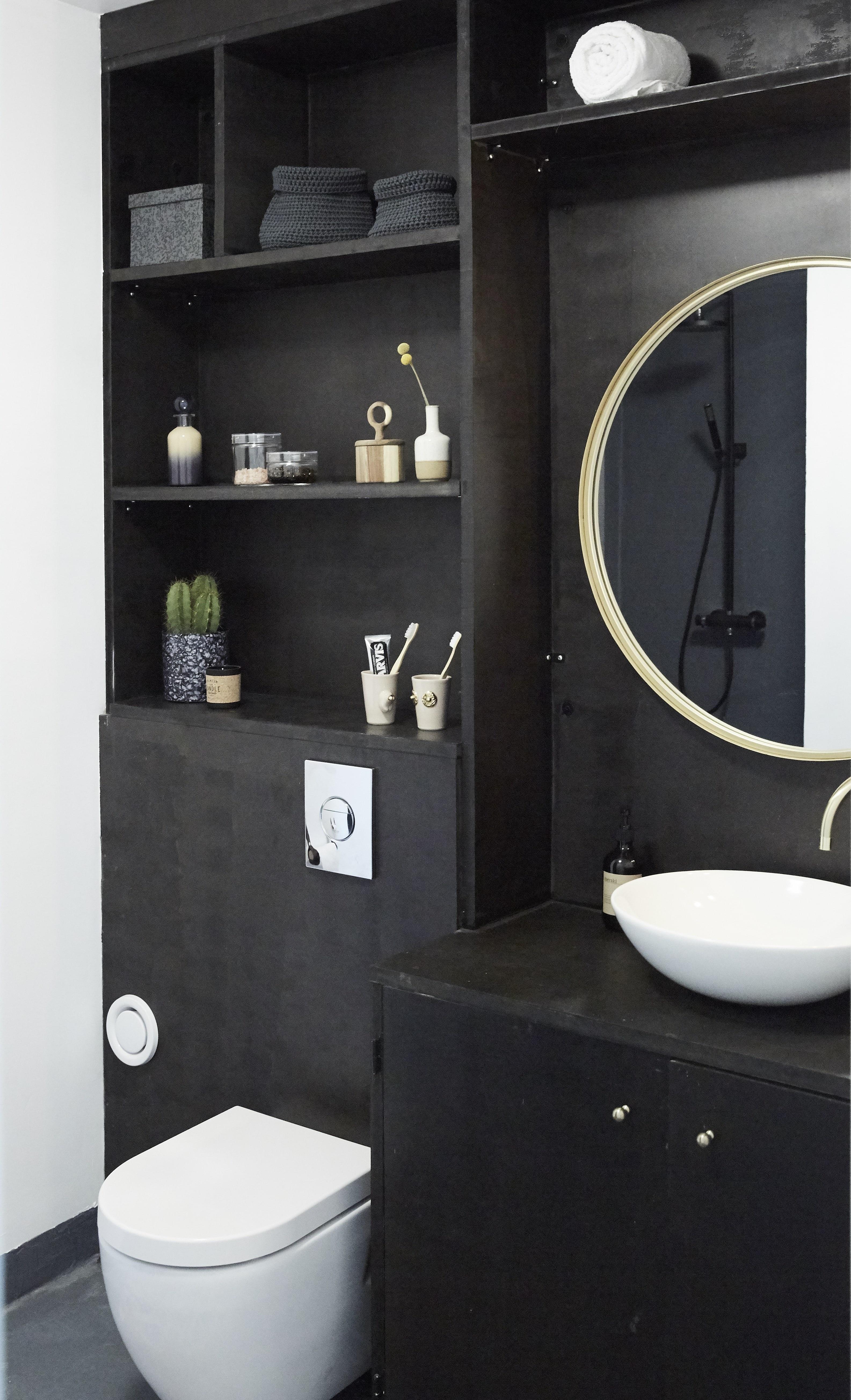 Badeværelsesmøbel i sorte MDF-plader