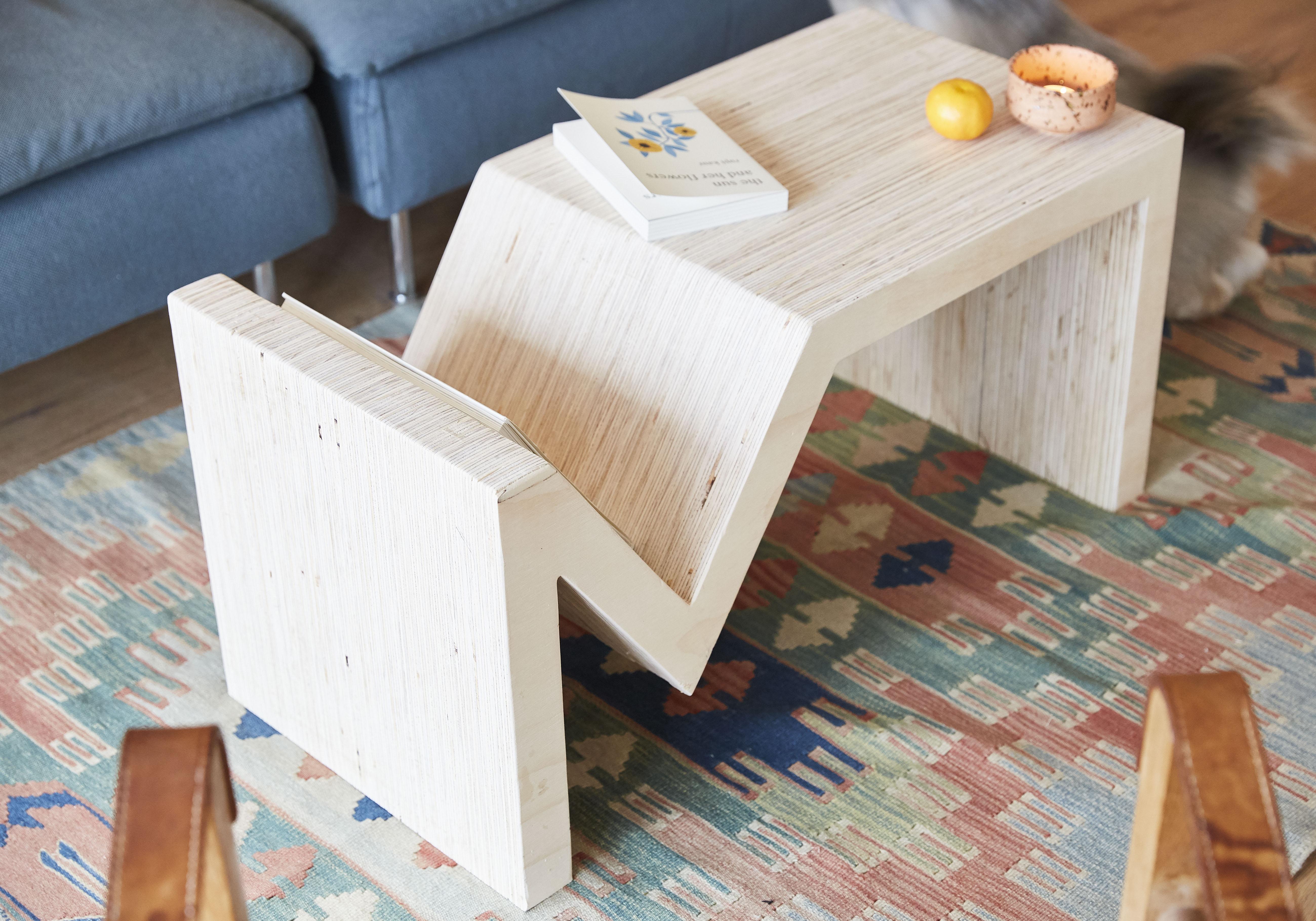 Sofabord med boghylde