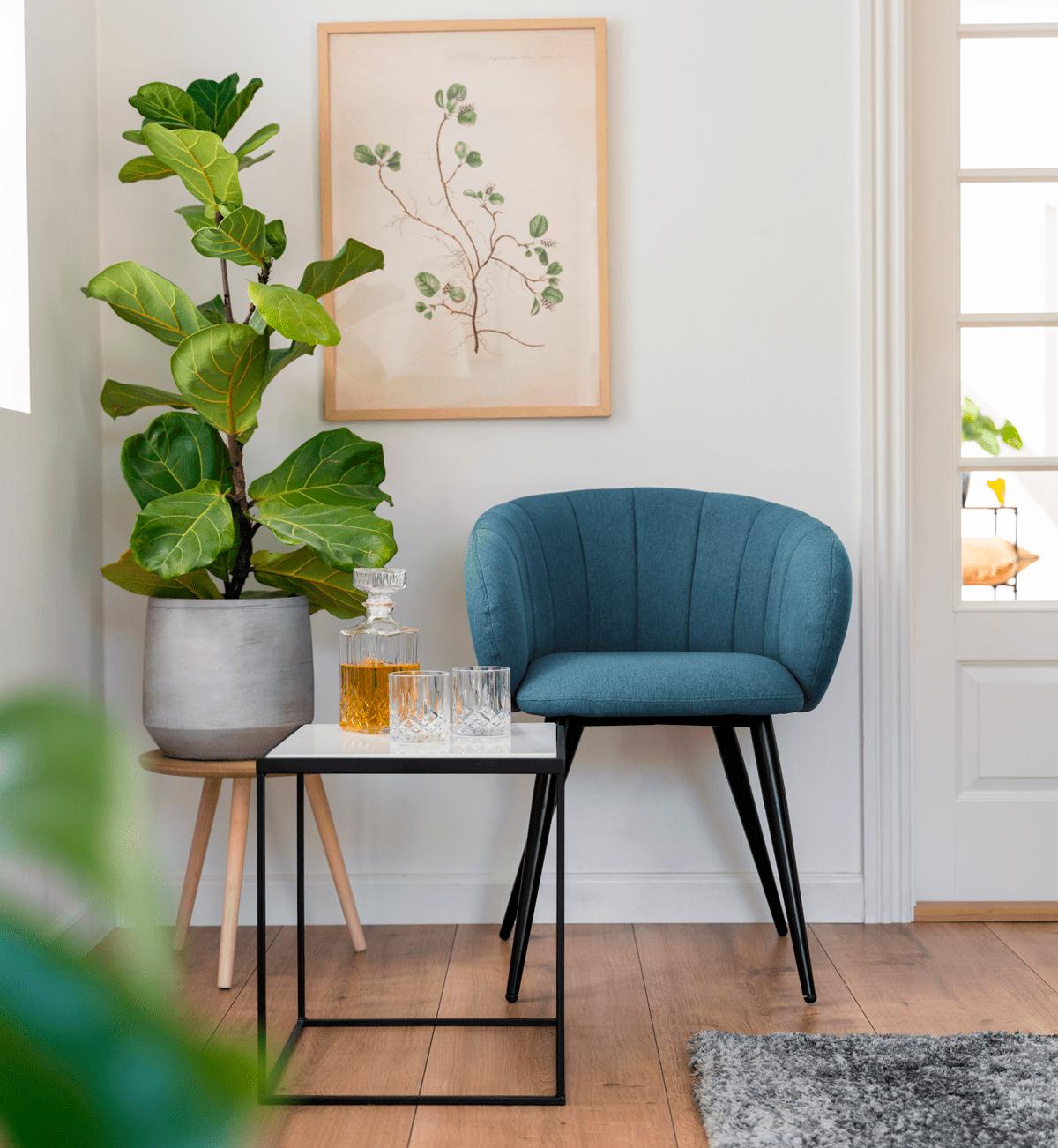 Brug små sideborde til planter