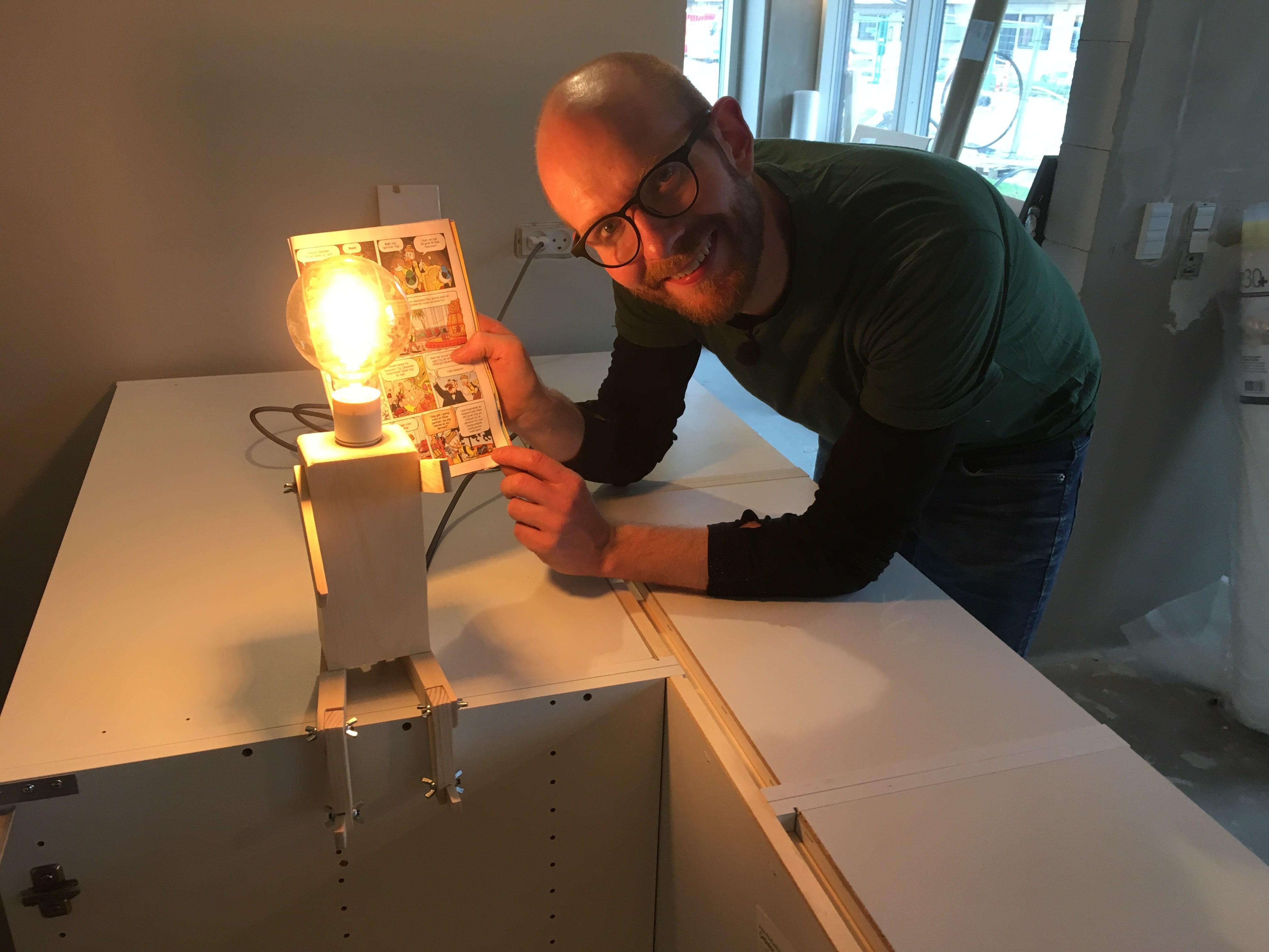 Lille hjælper-lampe