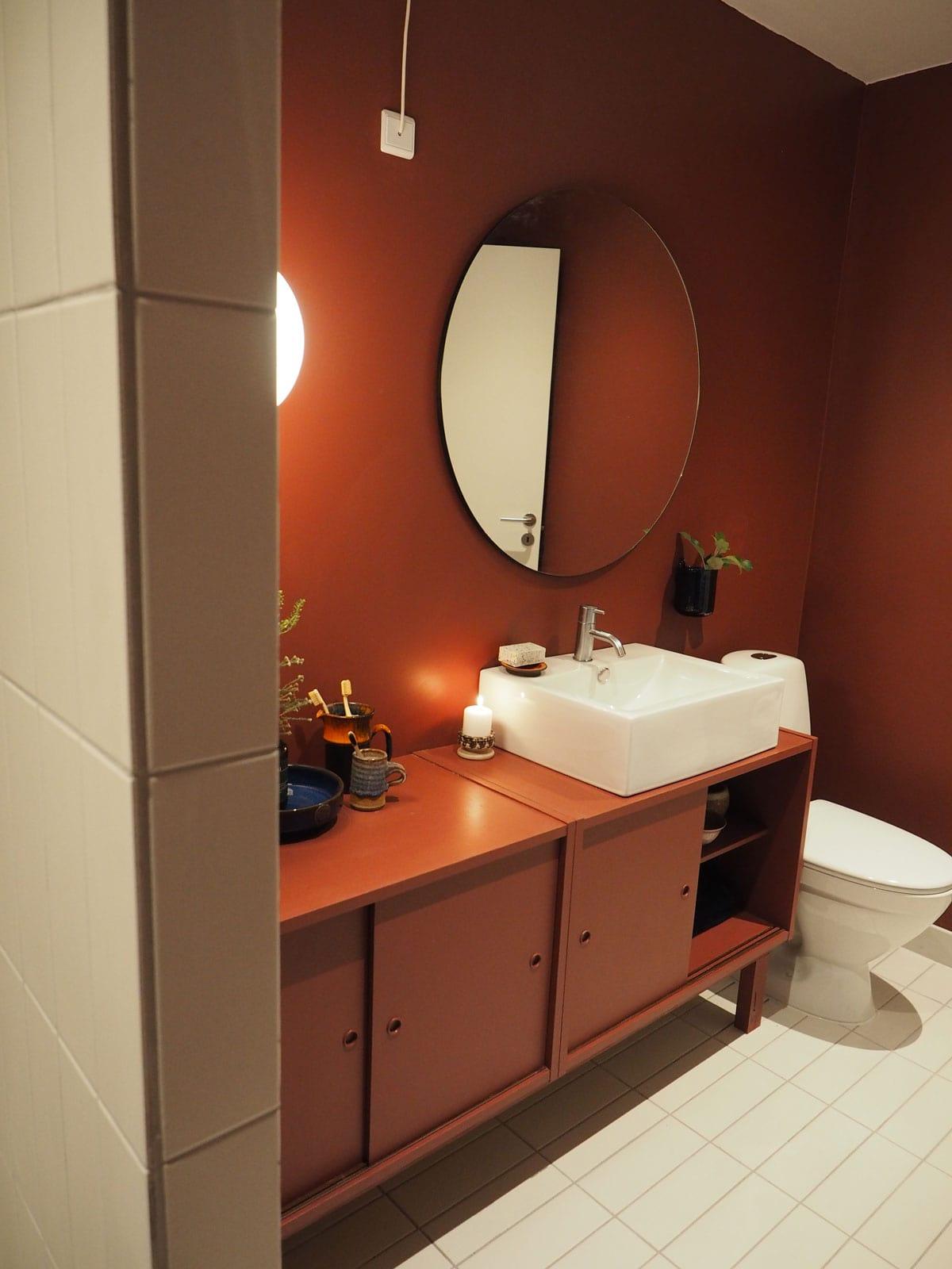 Dansk-japansk badmøbel med vask